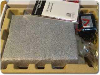トランセンド2TBのHDDの箱の中身
