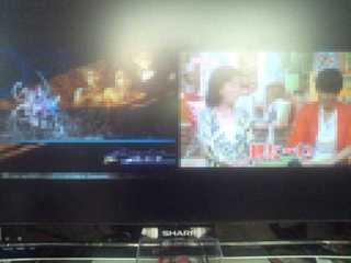 液晶テレビ2画面横並び